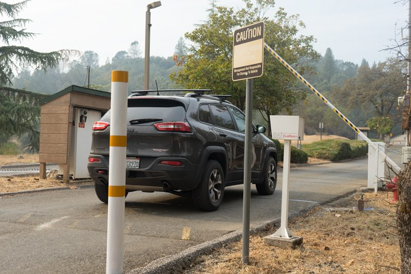 BA-440 DualBeam Barcode Reader identifies vehicles at Auburn Lake Trail in northern California