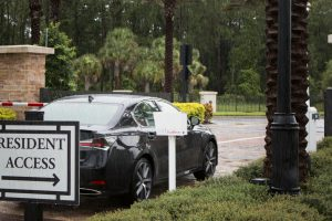 BA-440 DualBeam Barcode Reader identifies vehicles in the rain in Orlando FL